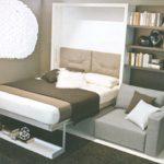 Zložljiva kavč postelja v dnevni sobi
