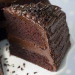 Čokoladna torta in darilo za rojstni dan