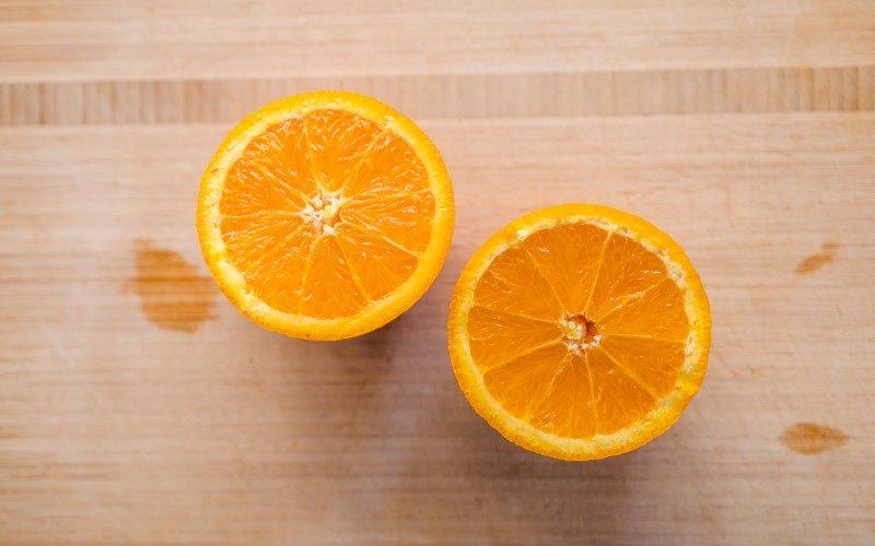 Vitamin C se nahaja v pomaranči